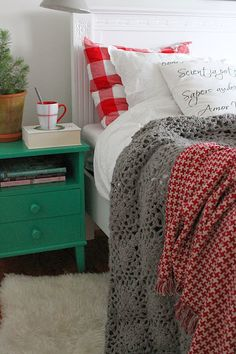 The house by the bay: Christmas in the bedroom