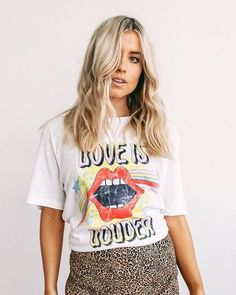 Graphic Tee Style, Fashion Graphic, Graphic Tees, Graphic Design, Girly Outfits, Cute Casual Outfits, Human Rights Campaign, Aesthetic Shirts, Cute Fashion