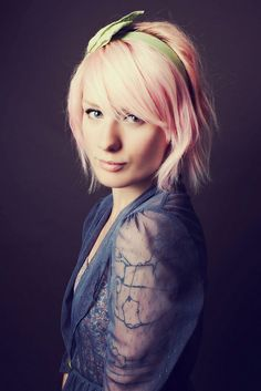 Indie Jane Photography - I'm lovin' pink hair right now!