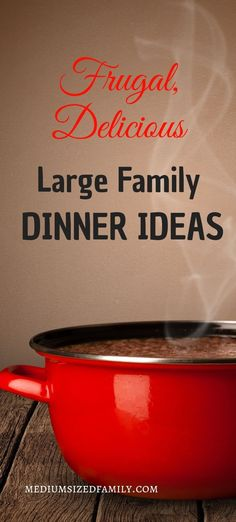 These Grandma approved large family dinner ideas are the perfect comfort foods for feeding a crowd! family dinner 25 Large Family Dinner Ideas That Will Be Favorites In No Time Sunday Dinner For A Crowd, Group Dinner, Sunday Dinner Recipes, Dinner On A Budget, Dinner Ideas, Sunday Dinners, Supper Recipes, Meal Ideas, Food Ideas