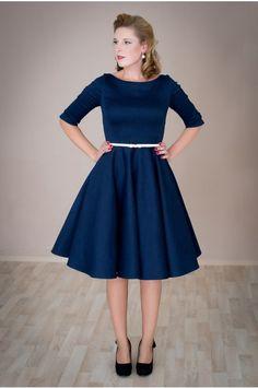 01b8e635b2d Košilové šaty Margaret s pouzdrovou sukní šaty mají skládaný živůtek a  košilový límeček 3 4 rukáv s manžetkou pouzdrová sukně v dé…
