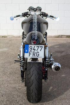 Big Big! Honda CB1000 Big One #CafeRacer by The Bike Special Cafe Racer. Una japonesa llena de músculo y con un toque caferacero muy genuino. Descubre esta #Honda | caferacerpasion.com