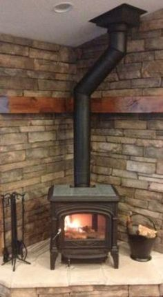 free standing woodburning fireplace with mantle corner, – Freestanding fireplace wood burning Wood Burning Stove Corner, Wood Stove Wall, Wood Stove Surround, Wood Stove Hearth, Corner Stove, Cabin Fireplace, Stove Fireplace, Fireplace Ideas, Freestanding Fireplace