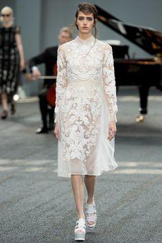 Erdem Spring 2014 RTW. white. embroidery. collar. sheer. sheer sleeves. #Erdem #Spring2014 #LFW