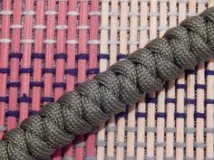 Плетение из Паракорда - Браслет плетение змейка / How to Make a Snake Knot Paracord Bracelet - YouTube