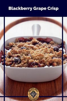 This quick and easy blackberry crisp, featuring delicious grapes from California and oats, makes the perfect crumble dessert recipe for any special gathering. And for the holidays, try using frozen blackberries! #blackberrycrisp #recipe #withoats #easy #recipecrumble #recipewithoats #fresh #withoatseasy #best #quick #easy #quickandeasy #delicious #easyanddelicious #berry #blackberry #grapes #graperecipes Christmas Side Dishes, Christmas Recipes, Thanksgiving Recipes, Best Dessert Recipes, Fun Desserts, Appetizer Recipes, Blackberry Crisp, Grape Recipes, Warm Food
