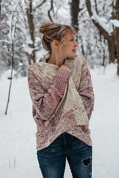 Ravelry: Rose pattern by Andrea Mowry Crochet Patron, Knit Or Crochet, Cardigan Pattern, Knit Cardigan, Open Cardigan, Vogue Knitting, Pulls, Knitwear, Knitting Patterns