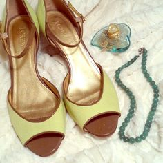 JCrew Spring Green Linen D'Orsay Heels Sandals 8.5 For sale are these adorable green linen heels from JCrew. They feature a tan patent trim and strap, and are cut in the D'Orsay style--a timeless shape perfect with everything from spring dresses to jeans. These comfortable shoes have only been worn a handful of times and are in excellent condition. Any questions, please ask and Happy Shopping! J. Crew Shoes Heels