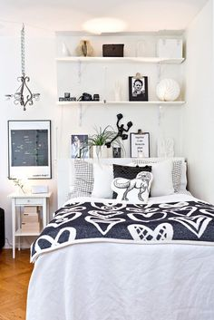 Awesome Small Master Bedroom Apartment Decor Inspirations on A Budget Apartment Bedroom Decor, Home Bedroom, Bedroom Ideas, Studio Apartment, Teen Bedroom, Scandinavian Bedroom Decor, Gravity Home, Small Master Bedroom, Small Bedroom Designs