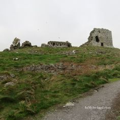 Irish Castles – Rock of Dunamase, County Laois Early Christian, Castle Rock, 12th Century, The Rock, Castles, Countryside, Monument Valley, The Good Place, Irish
