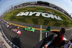 Budweiser Duel at Daytona Race Report - Stewart Finishes Sixth, Patrick 17th in First Duel; Newman 21st in Second Duel