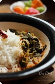 Spinach/Palak Ambat (spinach cooked in spicy coconut and lentil gravy from South India)