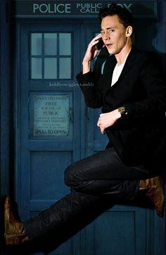 If Tom Hiddleston was the 12th Doctor... kfhxkjgdtshcjvkhiehduvjbkbudgxh...I wish this happened....