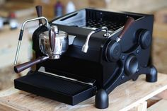 Discount Espresso Machines are available in several ways. You have a favorite method of making the espresso or perhaps something that offers a distinctive taste Best Espresso Machine, Espresso Maker, Espresso Coffee, Best Coffee, Coffee Coffee, Coffee Time, Barista, Coffee Varieties, Popular Drinks
