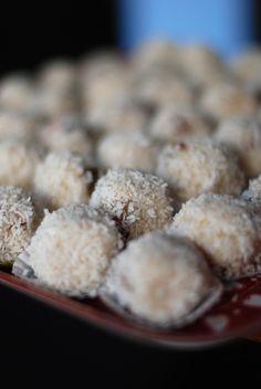 balls of semolina My Recipes, Vegan Recipes, Some Recipe, Truffles, Plant Based, Veggies, Meals, Breakfast, Sweets