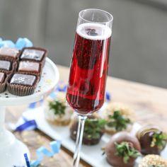 Kir Royale (Champagne, crème de cassis)