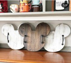 Disney Home Decor, Disney Diy, Disney Stuff, Disney Rooms, Disney House, Mickey Mouse Decorations, Disney Furniture, Mouse Crafts, Disney Kitchen