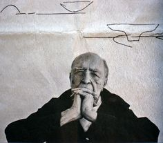 Oscar Niemeyer. Nothing to add, the photo says it all.