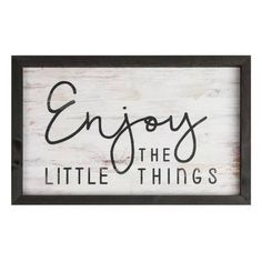 Excellent modern farmhouse decor are readily available on our internet site. Take a look and you wont be sorry you did. Farmhouse Frames, Farmhouse Bedroom Decor, Farmhouse Style Kitchen, Modern Farmhouse Kitchens, Modern Farmhouse Decor, Rustic Decor, Rustic Farmhouse, Cottage Farmhouse, Farmhouse Signs