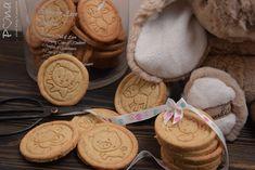 Máslové oříškové sušenky Cookies, Desserts, Food, Crack Crackers, Tailgate Desserts, Deserts, Eten, Cookie Recipes, Postres