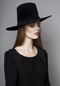 Rachel Trevor Morgan Millinery Autumn Winter 2015 R15W27 Augusta hat