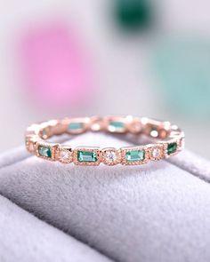 Princess Cut Engagement Rings, Gold Engagement Rings, Diamond Wedding Rings, Emerald Wedding Bands, Emerald Band Ring, Diamond Jewelry, Jewelry Rings, Fine Jewelry, Ring Verlobung