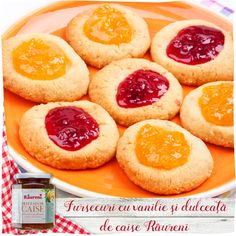 Fursecuri fragede cu vanilie şi dulceaţă de caise Râureni Cheesecake, Desserts, Food, Tailgate Desserts, Deserts, Cheesecakes, Essen, Postres, Meals