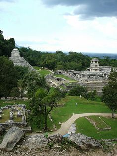 Palenque, Chiapas, Mexico I LOVE Mexico. It has some of the most beautiful  places to visit  and see.