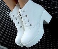 ☆  ☾ ☼ Chunky heel white lace up ankle boots in leather. Pastel grunge or goth style.