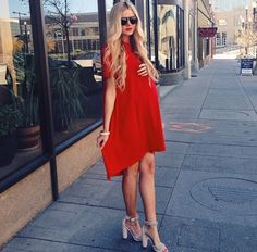 Red dress for pregnant woman