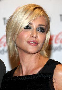 Paola Barale Graduated Bob - Short Hairstyles Lookbook - StyleBistro