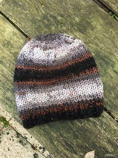 67 meilleures images du tableau bonnets en 2019   Knit caps, Knit ... 7a9a8a0aad2
