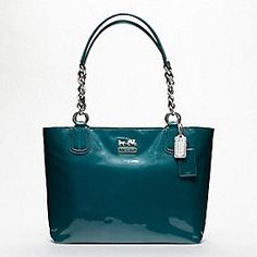 Love the color. The design makes me think of Kate Spade.