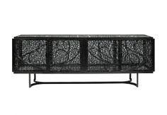 Pedro Sousa Studio. Credenza Black Pearl, in filigrana di alluminio e vetro, solo 12 pezzi, cm 210x55 x76h, 23.000 euro.