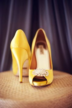 fun yellow heels by Badgley Mischka  Photography by Maggie Conley Photography / maggieconleyphotography.com