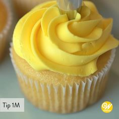Cupcake Decorating Tips, Cake Decorating Frosting, Cake Decorating For Beginners, Cake Decorating Techniques, Cookie Decorating, Frosting Recipes, Cupcake Recipes, Baking Recipes, Buttercream Frosting