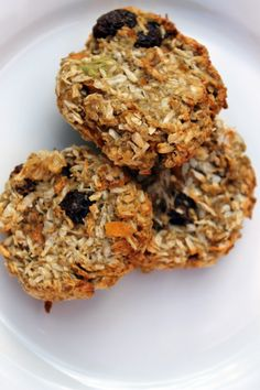 Perfect for kids, these carrot and oatmeal cookies have no sugar or eggs, instead they're held together and sweetened with avocado and banana.