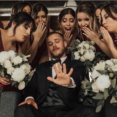 Funny Groomsmen Photos Will Make You Smile – wedding photography bride and groom Cute Wedding Ideas, Wedding Goals, Perfect Wedding, Dream Wedding, Wedding Day, Party Wedding, Wedding Bride, Table Wedding, Bouquet Wedding