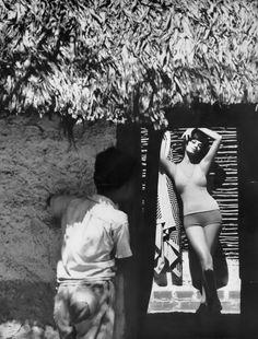 Simone, photo by Saul Leiter, Harper's Bazaar, January 1960