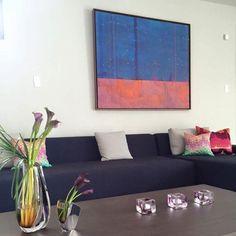 Las mejores ideas para decorar la casa en tonos de color mordo.#purpledecor #violeta #decorideas Color Violeta, Ideas Para, Couch, Furniture, Home Decor, Home, Color Tones, Color Combinations, Trends