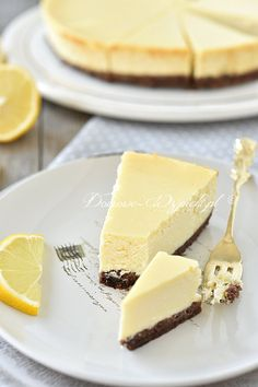 Lemon cheesecake with sweetened condensed milk - recipe- Zitronen-Käsekuchen mit gezuckerter Kondensmilch – Rezept Lemon cheesecake with sweetened condensed milk - Quick Dessert Recipes, Easy Cake Recipes, Dinner Recipes, Food Cakes, Condensed Milk Recipes, Lemon Cheesecake, Classic Cheesecake, Cheesecake Cookies, Desert Recipes
