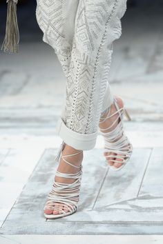 Roberto Cavalli: 2014 runway show: there's nothing better than sexy leather sandals for Summer! Roberto Cavalli, White Fashion, Leather Fashion, Leather Sandals, Shoes Sandals, Western Wear For Women, Beautiful High Heels, White Velvet, Pumps