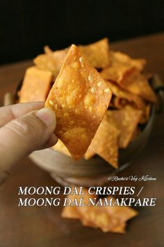 MOONG DAL CRISPIES / MOONG DAL NAMAKPARE Indian Veg Recipes, Indian Dessert Recipes, Breakfast Recipes, Snack Recipes, Cooking Recipes, Cooking Tips, Healthy Recipes, Indian Dry Snacks, Dhokla Recipe