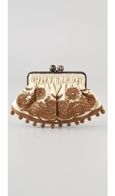 embroidered clutch-need to try this