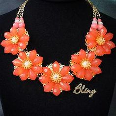 Collar de Flores Coral Modelo 0122 $150 www.facebook.com/BlingMx