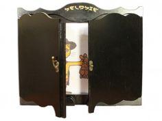 NAPOLEON - Butai Bois 'Luxe' personnalisé en bois médium (MDF).  2 volets fixés sur pivots et un joli fronton décoratif.  Editions MK67 - Mon Kamishibai Format Trad :250 € (370x275) Format A4 : 220 € (297x210) Format A3 Peint : 280 €(426x303)