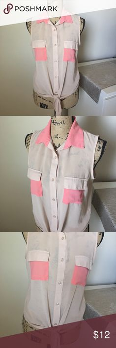 Beige/Pink top Great condition. No stains/holes or missing buttons. Ties at the bottom. Paper Crane Tops