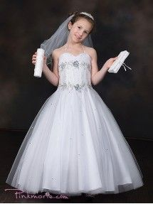 Visit our online store to find a massive range of flower girl dresses, Communion dresses, & pageant dresses in premium quality. Save money by ordering now! White Flower Girl Dresses, Little Girl Dresses, Girls Dresses, Pageant Wear, Pageant Dresses, Dresses For Less, Different Dresses, Tulle Dress, Sequin Dress