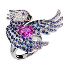 Nuri, the cockatoo ring Pink sapphire, a Maison Boucheron Jewelry creation. A Boucheron creation tells a Story, that of the Maison and your own.