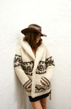 Items similar to LARGE Cozy Classic Chic Wave Hand-Knit Mexican Wool Sweater ((Large Diamond Design)) on Etsy Cowichan Sweater, Wool Cardigan, Sweater Jacket, Hand Knitted Sweaters, Cozy Sweaters, Knitting Sweaters, Handgestrickte Pullover, Mode Boho, Roll Neck Sweater